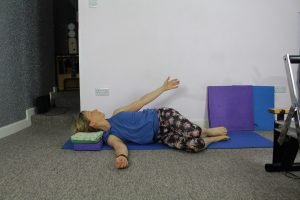 Gentle Pilates exercise to help with Pelvic floor problems. This one is spine rotation